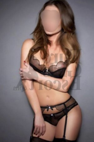 Merieme call girls in Emporia Kansas
