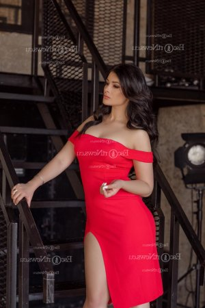 Marie-therese live escort in West New York