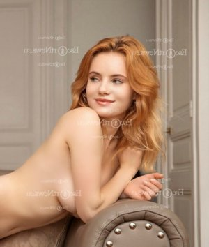 Lucie-lou escort girls