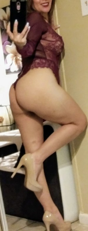 Djeinaba escorts