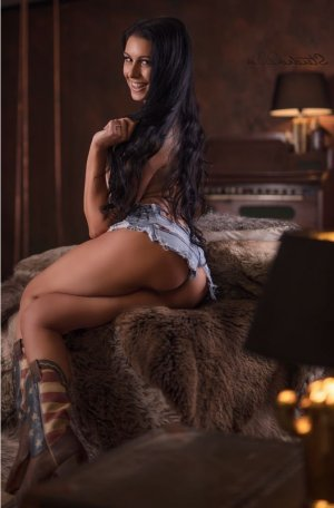 Anne-zoé live escort in Cleveland Heights OH
